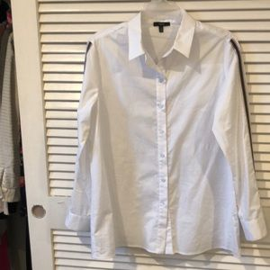 Drew white button down worn once w/ grosgrain
